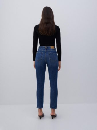 Womens Mom Fit Jeans Blue | Reserved Jeans